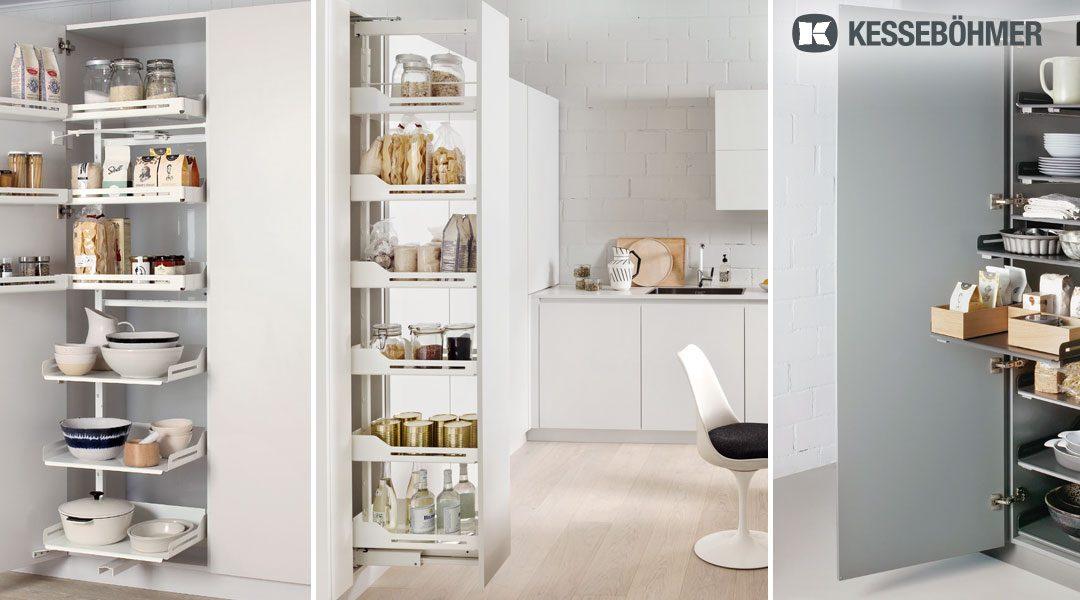 Zentrale Bevorratung von Lebensmitteln in modernen Vorrat-Hochschränken von KESSEBÖMER / PEKA